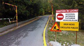 Drumul din munte, DJ 713 Dichiu- DJ 714 Zănoaga, rămâne închis încă o lună. CJD anunță că nu s-au terminat încă lucrările la poduri.