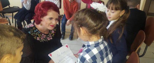 """Ziua Internațională a Drepturilor Copilului. Mesajul deputatului PSD Claudia Gilia: """"În calitate de parlamentar am susținut și voi susține orice reglementare care să le asigure copiilor noștri siguranța unui trai mai bun"""""""