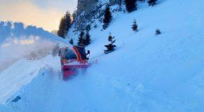 În continuare, pericol pe DJ 714! SC LDP a reluat deszăpezirea pe traseul montan, însă s-a produs o nouă avalanșă