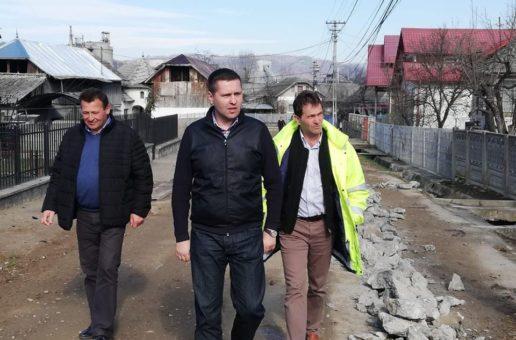 Deputatul Corneliu Ștefan a verificat pe teren lucrările aflate în desfășurare în localități din nordul județului, obiective de investiții de peste 2 milioane euro, finanțate prin PNDL