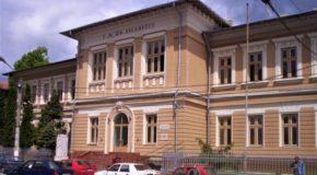 """Asociația Communio, sprijin financiar pentru reabilitarea, amenajarea și dotarea laboratorului de fizică al Colegiului Național """"Ienăchiță Văcărescu"""" din Târgoviște"""
