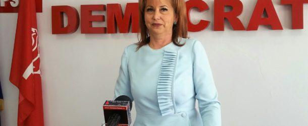 """Deputat Carmen Holban, declarație politică: """"Președintele-frână și Opoziția-fugă!"""""""