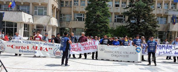 CNS Cartel Alfa, protest în Piața Tricolorului din Târgoviște pentru susținerea greviștilor de la Electroaparataj și a tuturor salariaților din mediul privat