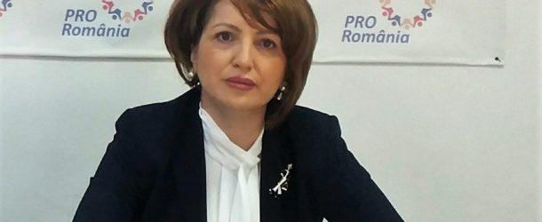 """Deputat Oana Vlăducă: """"Guvernul-forfecă"""", susținut de """"partide-foarfecă"""", nu construiește, ci dărâmă, nu crește alocații, ci le blochează, nu dezvoltă instituții esențiale, ci le desființează"""