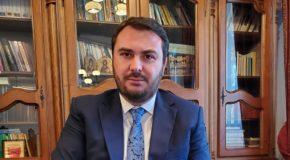"""Vicarul eparhial Ionuț Ghibanu, despre diferența dintre lideri și șefi. """"Vedem peste tot numai șefi, care mai de care mai vocali și mai departe de aspirațiile omului concret. Avem nevoie disperată de lideri"""""""