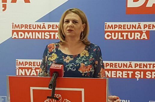 """Deputatul PSD, prof. Claudia Gilia: Protestul elevilor la București, """"o lecție extraordinară. Ministrul Anisie ar trebui să intre în pământ de rușine"""""""