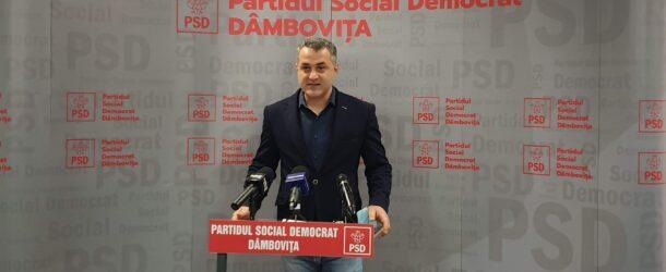 """Constantin Cozma, consilier municipal PSD: Salariații de la COS Târgoviște, de mâine în preaviz și, peste o lună, fără locuri de muncă. """"Ar trebui să iasă acum liderul liberal să le spună cum s-a folosit de problemele lor pentru a-și crea capital de imagine, să le spună în față că a avut nevoie doar de voturile lor"""""""