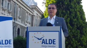 Ionel Petre a demisionat din fruntea ALDE Dâmbovița, înainte de realizarea fuziunii cu Pro România. Florin Preda, propunerea acestuia pentru președinția interimară a Organizației Județene
