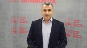 Constantin Cozma ( PSD Dâmbovița): Avem dovada clară că Inspectoratul Școlar Dâmbovița s-a privatizat. În loc să-i preocupe pregătirea școlilor pentru începerea noului an școlar, ei stau să schimbe directori