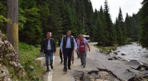Președintele CJ Dâmbovița, Corneliu Ștefan, implicare majoră pentru refacerea urgentă a zonelor din nord, afectate de viituri. Cu zero lei de la guvern, eforturile județene și locale sunt uriașe. VIDEO