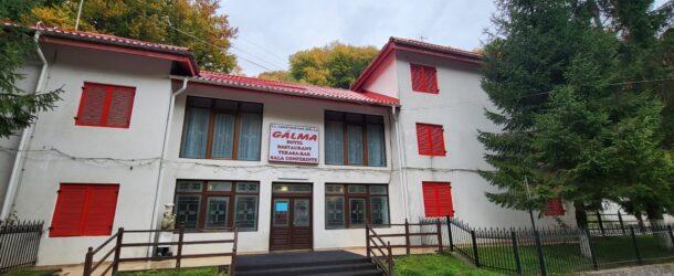 Hotelul Gâlma, modernizat și transformat într-un loc ideal de relaxare, la poalele Bucegilor.